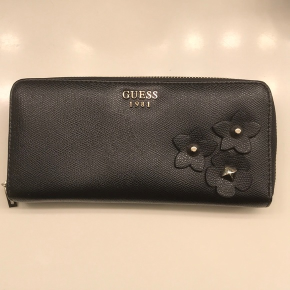 2b57929c08 Guess Handbags - ⚡️FLASH SALE⚡ Guess Black Floral Wallet ...